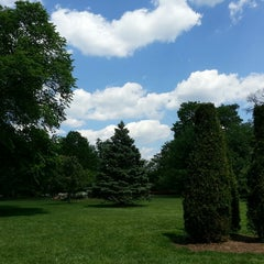 Photo taken at Sherwood Gardens by Cheryl on 5/19/2014