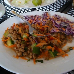 Photo taken at Super Vegetariano Buffet by Fabby G. on 8/21/2014