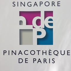 Photo taken at Singapore Pinacotheque De Paris by Reyane K. on 10/13/2013