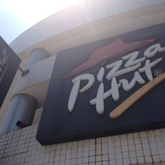 Photo taken at Pizza Hut by Bruno O. on 10/29/2012