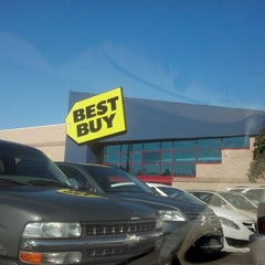 Photo taken at Best Buy by Kathy G. on 2/9/2013