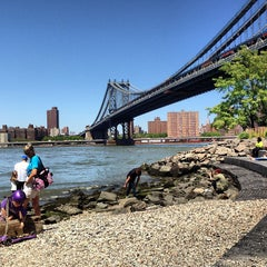Photo taken at Manhattan Bridge by Armando C. on 5/27/2013