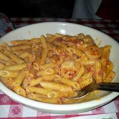 Photo taken at Buca di Beppo Italian Restaurant by Lillian W. on 7/27/2013