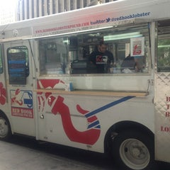 Photo taken at Red Hook Lobster Pound Truck by Jill X. on 7/9/2013