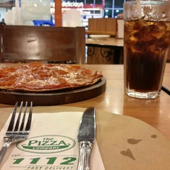 Photo taken at The Pizza Company (เดอะ พิซซ่า คอมปะนี) by Som R. on 4/12/2016