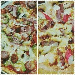Photo taken at The Pizza Company (เดอะ พิซซ่า คอมปะนี) by Ja@ee K. on 3/30/2016
