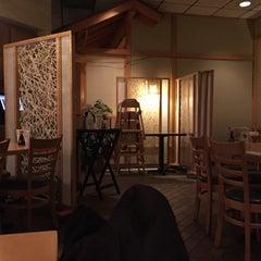 Photo taken at Daruma Japanese Restaurant by Wapentake on 10/4/2015