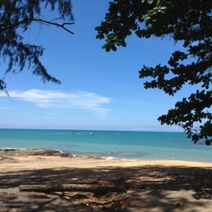 Photo taken at Ocean Breeze - Khao Lak by Tum 1. on 10/12/2012