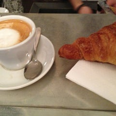 Photo taken at Le Café du Temple by Joakim N. on 1/24/2013