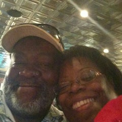 Photo taken at TGI Fridays by Derrick C. on 9/6/2015