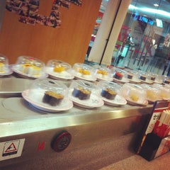 Photo taken at Sushi King by YIELUNG L. on 4/18/2013