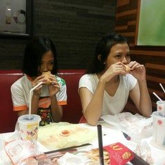 Photo taken at McDonald's by Rizky A. on 4/26/2014