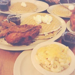 Photo taken at Roscoe's House of Chicken and Waffles by Barisa B. on 2/17/2013