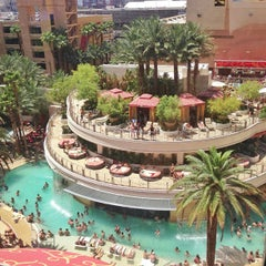 Photo taken at Golden Nugget Hotel & Casino by Rei B. on 8/3/2013