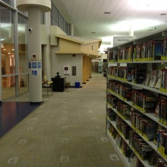 Photo taken at 95th Street Library: NPL by Joe B. on 10/26/2012