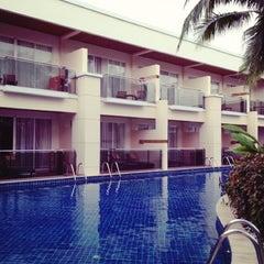 Photo taken at Sheraton Hua Hin Resort & Spa by Nancy W. on 11/19/2012
