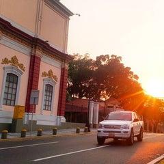 Photo taken at Palacio de Miraflores by Luis Dalier H. on 3/21/2016