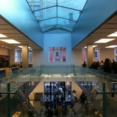 Photo taken at Apple Store, SoHo by Cesar A. on 4/2/2013
