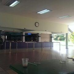 Photo taken at Sekolah Yayasan Sultan Haji Hassanal Bolkiah by Yusrimajid on 3/9/2014