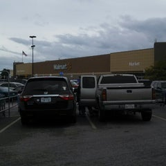 Photo taken at Walmart Supercenter by Christopher G. on 10/13/2013