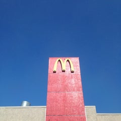 Photo taken at McDonald's by Carlos P. on 9/29/2013