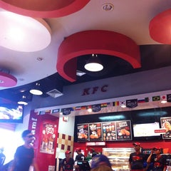 Photo taken at KFC by sakuramochi -. on 6/7/2014