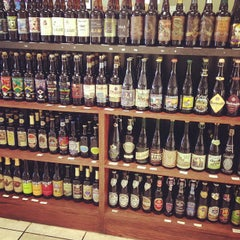 Photo taken at Beer Heaven by Wesley on 11/23/2012