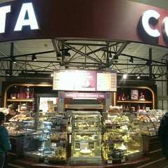 Photo taken at Costa Coffee by Tan M. on 4/13/2014
