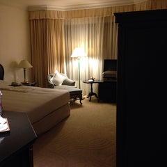 Photo taken at Evergreen Laurel Hotel by tsuyosea s. on 10/9/2014