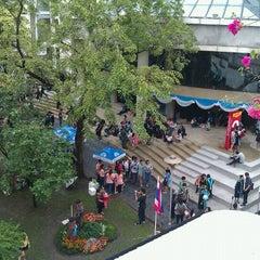 Photo taken at มหาวิทยาลัยหอการค้าไทย (UTCC) University of the Thai Chamber of Commerce by Tukta on 11/25/2012