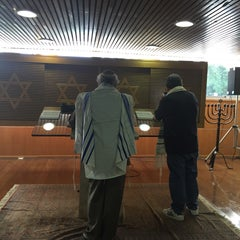 Photo taken at Sinagoga da Hebraica by Jose Luiz G. on 4/4/2015