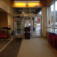 Photo taken at Hannaford Supermarket by Mark B. on 4/8/2015