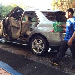 Photo taken at Simoniz Car Wash by ☀Día☀ on 3/8/2014