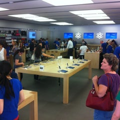 Photo taken at Apple Store, Town Square by Greg H. on 3/27/2013