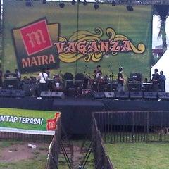Photo taken at Lapangan Merdeka by temy i. on 11/11/2012