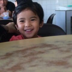 Photo taken at Restoran Roda by Hamdi H. on 4/14/2014