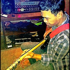 Photo taken at La Voice Music Studio by echareta d. on 7/13/2012