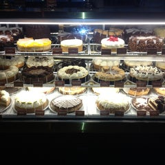 Photo taken at The Cheesecake Factory by Garry K. on 6/13/2013