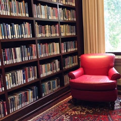 Photo taken at Boston Athenaeum by Faryle S. on 10/10/2014