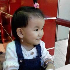 Photo taken at KFC by adhi 闻. on 9/20/2014
