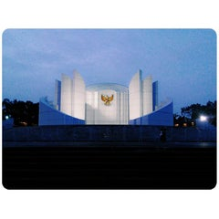 Photo taken at Monumen Perjuangan Rakyat Jawa Barat by Alki Z. on 2/21/2015