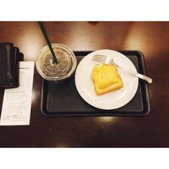 Photo taken at Starbucks Coffee なんば南海通店 by tsann 0. on 7/8/2015