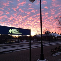 Photo taken at Metra - Lake Forest by Jon S. on 12/18/2013