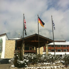 Photo taken at Edelweiss Lodge and Resort by Szymon on 4/1/2013