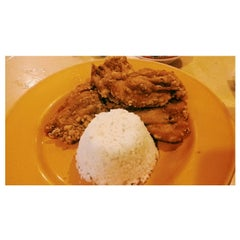 Photo taken at Chicken Chicken by Yumiko M. on 11/25/2014