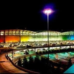 Photo taken at San Francisco International Airport (SFO) by Rey on 6/28/2013