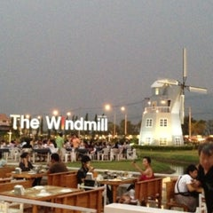 Photo taken at The Windmill (บ้านกังหัน) by Jeepjee on 4/14/2013