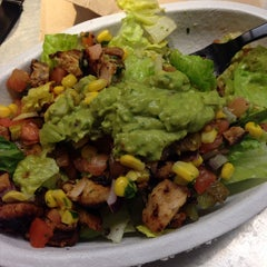 Photo taken at Chipotle Mexican Grill by Lauren H. on 5/4/2014
