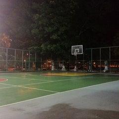 Photo taken at สนามบาส by PoUn ป. on 8/5/2012