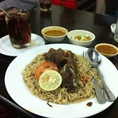 Photo taken at Nasi Arab,Al-Hanin  Larkin Idaman by Abgput on 3/13/2012